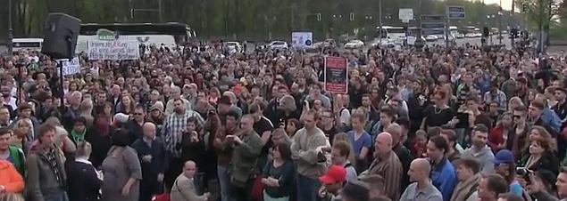 Montagsdemonstrationen und Ostermärsche 3